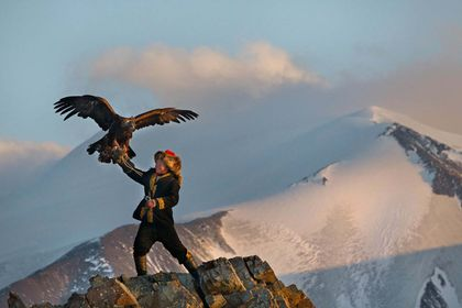 The Eagle Huntress - Picture 2