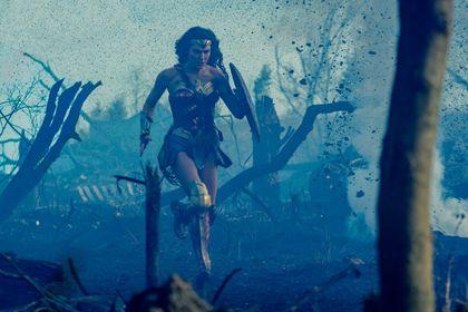 Wonder Woman - Foto 2