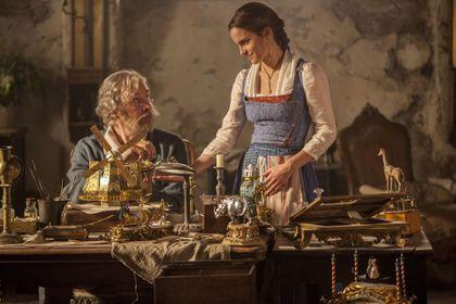 Belle en het Beest - Foto 3