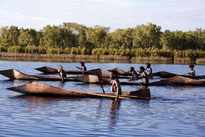 Ten Canoes - Foto 2