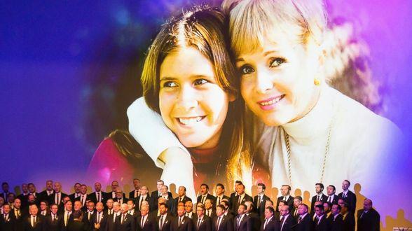 Hommage entre rires et larmes pour Debbie Reynolds et Carrie Fisher - Actu
