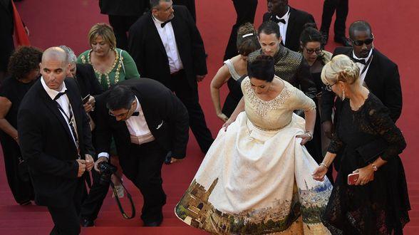 Cannes: La robe de la ministre israélienne de la Culture déchaîne les passions - Actu