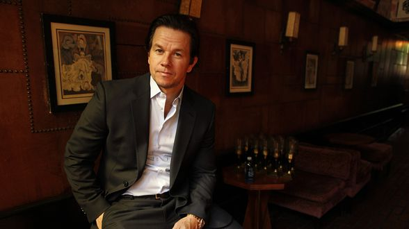 Mark Wahlberg devient l'acteur le mieux payé au monde (Forbes) - Actu