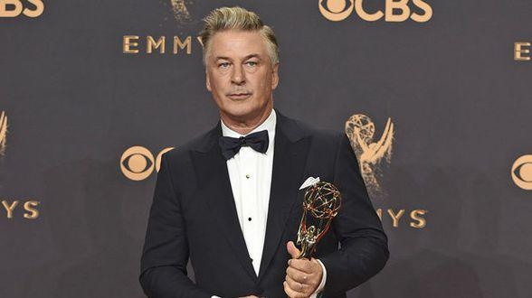 Alec Baldwin primé aux Emmys pour son imitation de Donald Trump - Actu