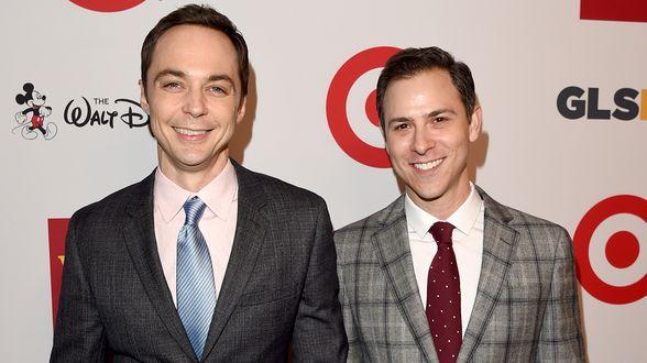 Big Bang Theory-acteur trouwt met zijn vriend - Actueel