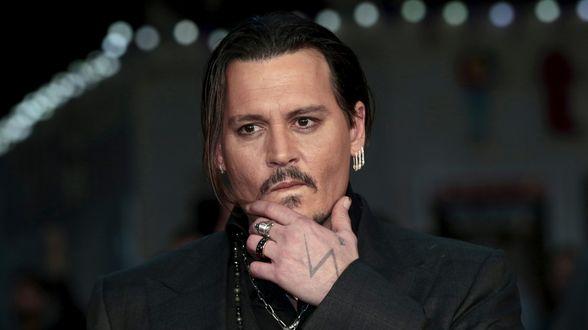 Ex-managers leggen persoonlijke mails met Johnny Depp bloot - Actueel