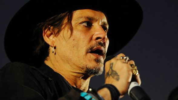 Johnny Depp speculeert over moord op Donald Trump - Actueel
