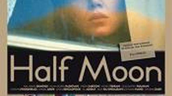 Half Moon - Bespreking