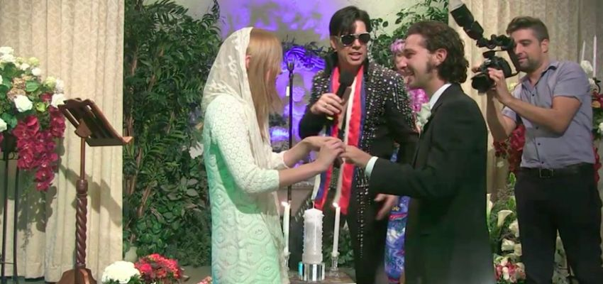 Shia LaBeouf laat huwelijk bezegelen door Elvis Presley-imitator