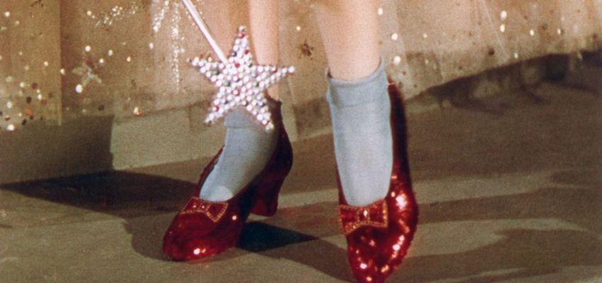 Rode schoentjes uit The Wizzard of Oz gered dankzij crowdfunding